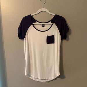 Pacsun white and navy T-shirt